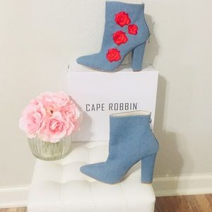 💥New Hot Cape Robbin Denim Flower Ankle Booties